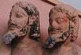 statue-trio