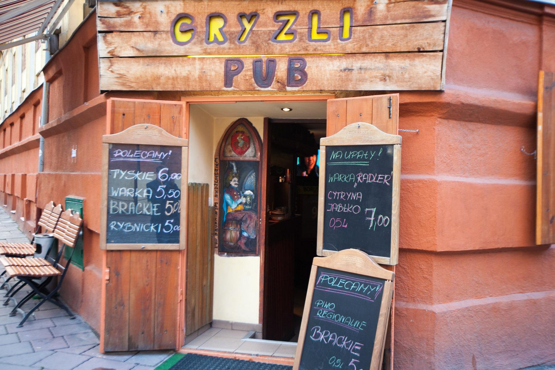 Cryzli Pub