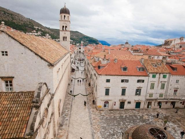 Dubrovnik main thoroughfare