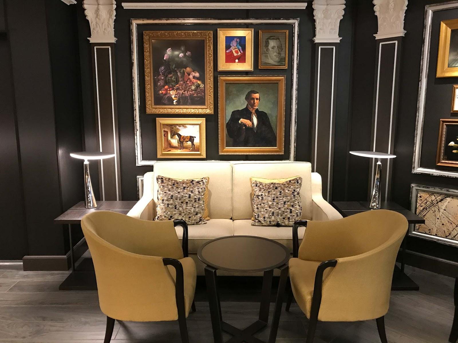 Gallery Bar on Oosterdam