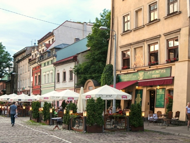 Kazimierz Square at dusk