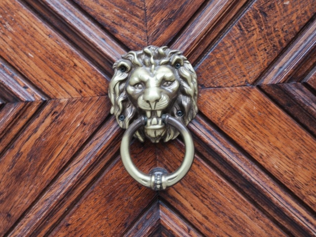Kotor door knocker