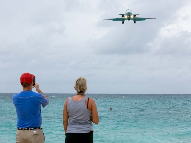Plane approaches Maho Beach, St. Maarten