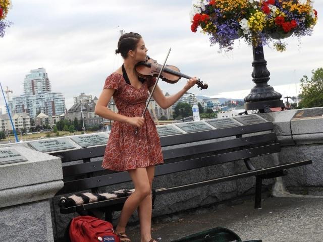 Violinist in Victoria