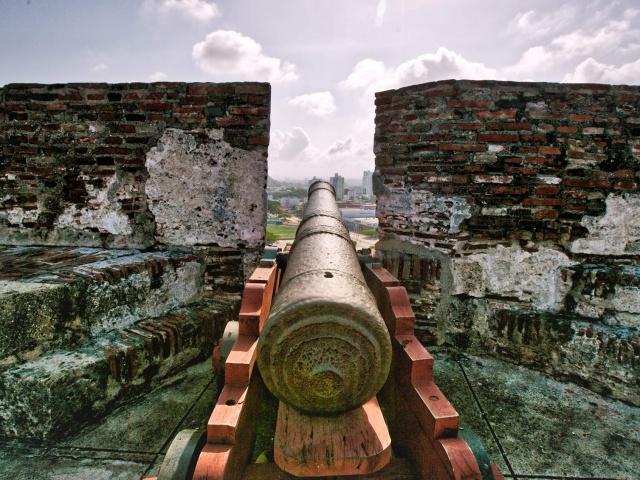 Cannon atop Castillo San Felipe de Barajas