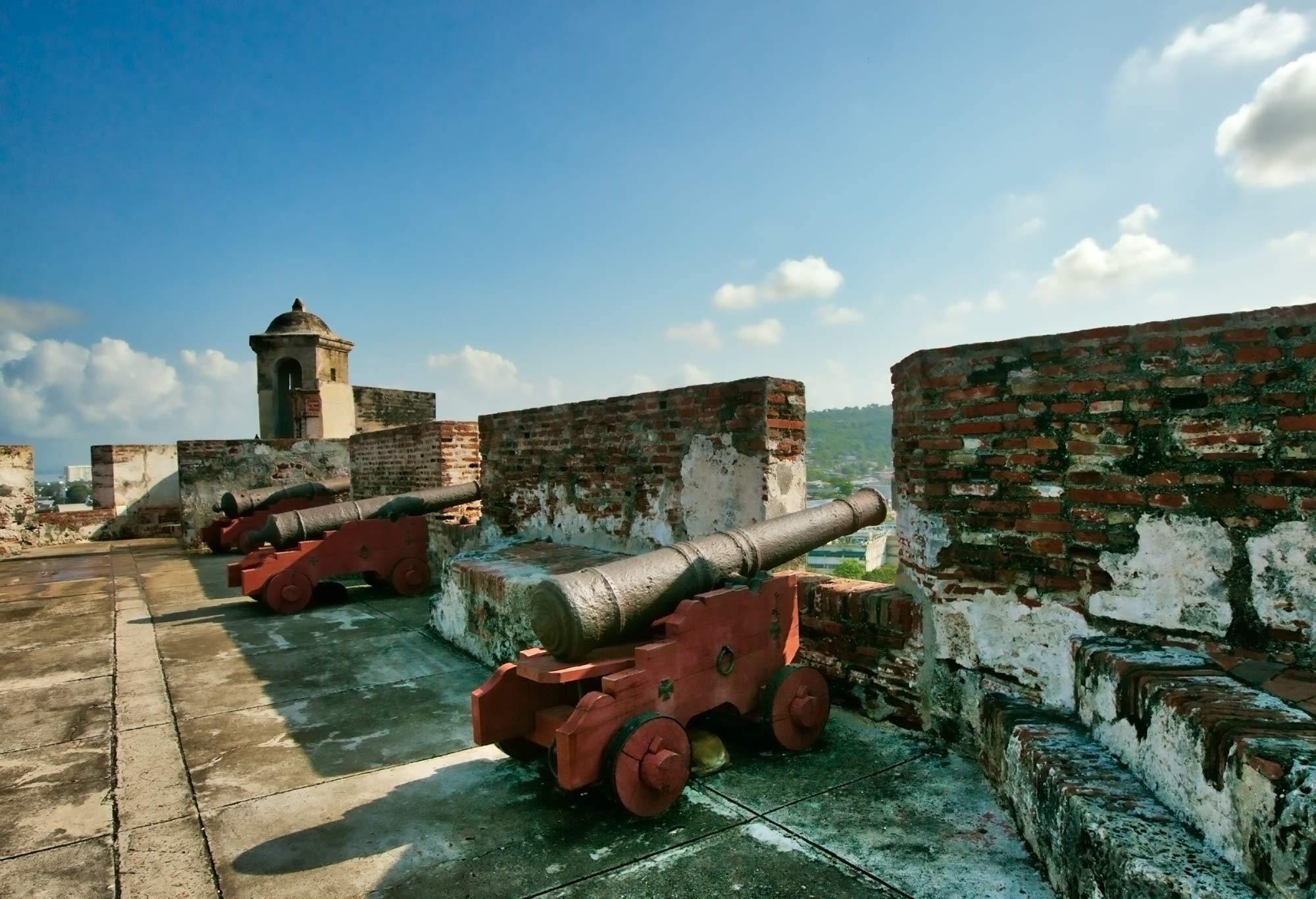 Cannons atop Castillo San Felipe de Barajas