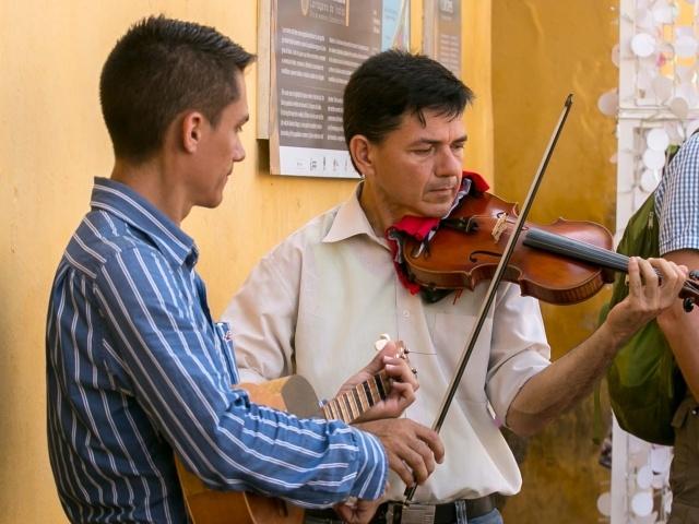 Street musicians in Old Cartagena