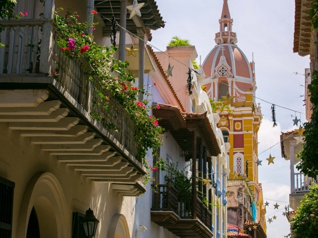 An alley view in Cartagena