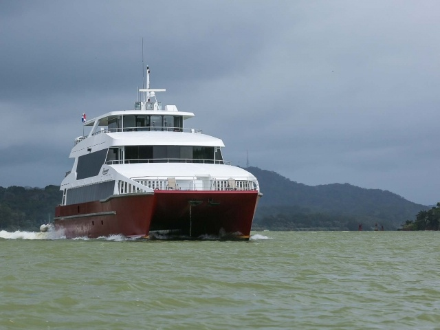 Yacht crossing Panama Canal
