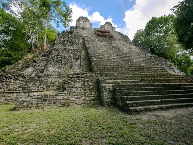 Edificio 1 at Mayan ruins of Dzibanche in Mexico