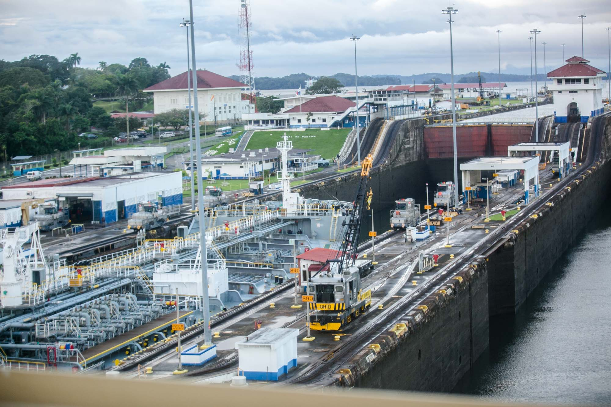 Cargo ship moves through Panama Canal