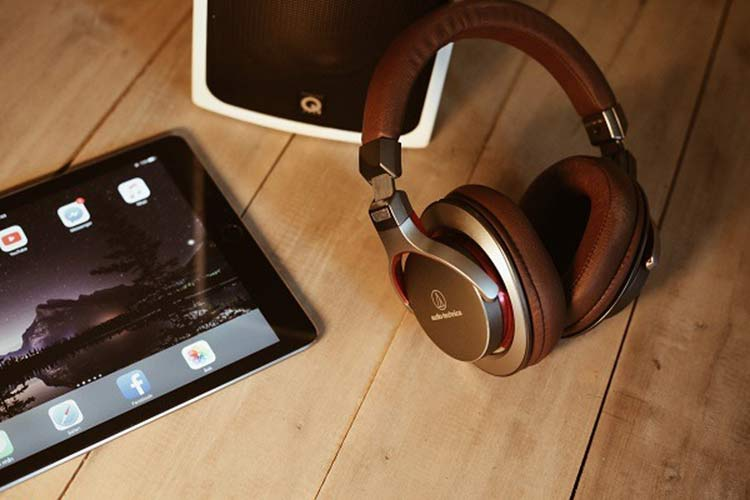 headset and tablet